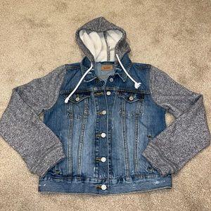 Woman's small Levi-Hoddie jacket!